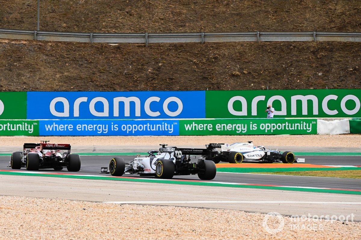 George Russell, Williams FW43, Antonio Giovinazzi, Alfa Romeo Racing C39, e Daniil Kvyat, AlphaTauri AT01