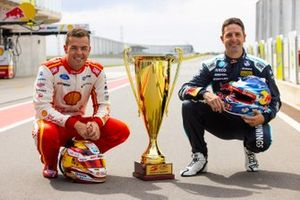 Scott McLaughlin, DJR Team Penske Ford, Jamie Whincup, Triple Eight Race Engineering Holden