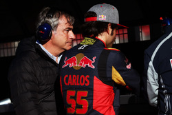 (L to R): Carlos Sainz, with his son Carlos Sainz Jr., Scuderia Toro Rosso
