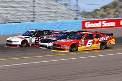 Darrell Wallace Jr., Roush Fenway Racing Ford en Brad Keselowski, Team Penske Ford