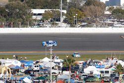 Choque: Danica Patrick, Stewart-Haas Racing Chevrolet