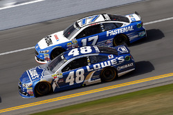 Jimmie Johnson, Hendrick Motorsports Chevrolet, Ricky Stenhouse Jr., Roush Fenway Racing Ford