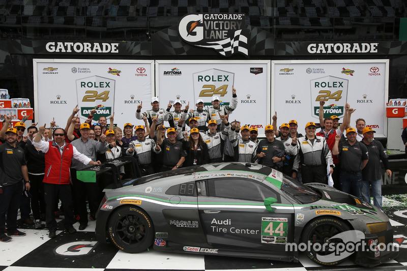 Les vainqueurs en GTD : #44 Magnus Racing Audi R8 LMS : John Potter, Andy Lally, Marco Seefried, René Rast