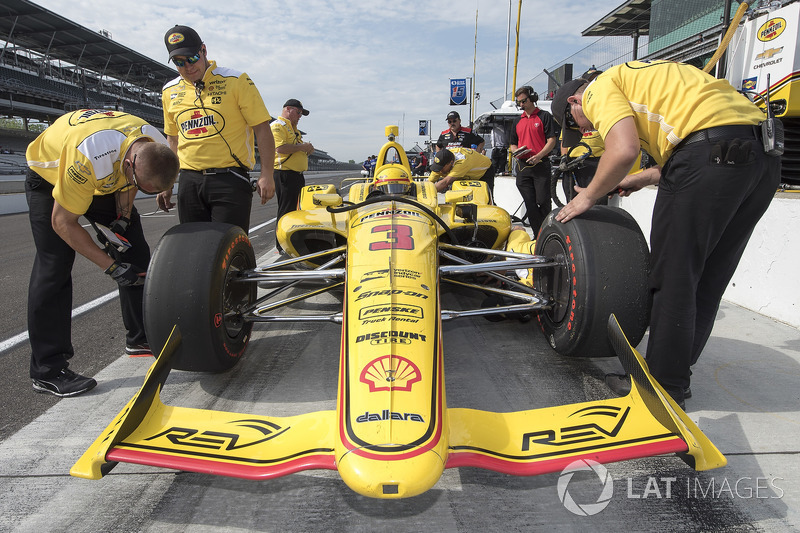 8°: Helio Castroneves, Team Penske Chevrolet