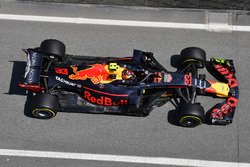 Max Verstappen, Red Bull Racing RB14 with aero paint on front wing