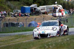 Porsche 991 GT3 Cup MR №46 команды rent2Drive-Familia-racing: Давид Акерман, Дмитрий Луковников, Вальтер Чаба, Йорг Вискирхен