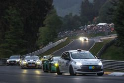 Юничи Умемото, Коичи Окумура, Мохаммед Аль-Оваис, Надир Зухоур, Roadrunner Racing, Renault Clio Cup (№125)
