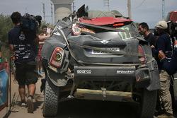 #302 X-Raid Team MINI: Nani Roma, Alex Haro finisce la stage con dei danni