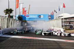 Jose Maria Lopez, Dragon Racing et Lucas di Grassi, Audi Sport ABT Schaeffler, au départ de la course