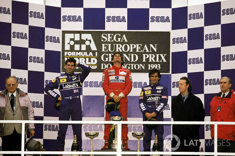 Le vainqueur Ayrton Senna, McLaren, le second Damon Hill, Williams, le troisième Alain Prost, Williams