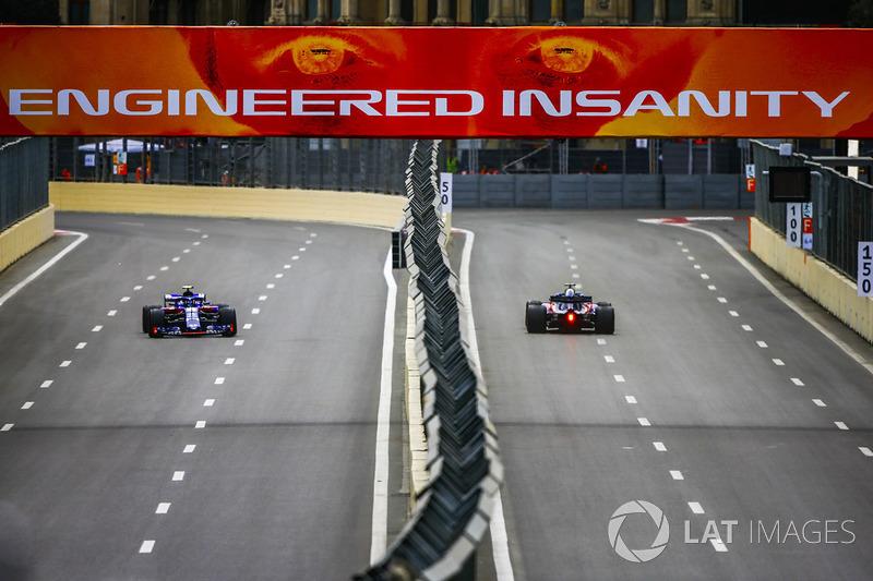 Brendon Hartley, Toro Rosso STR13 Honda, y Pierre Gasly, Toro Rosso STR13 Honda