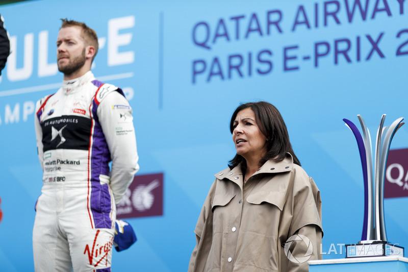 Mayor of Rome, Anne Hidalgo, on the podium with Sam Bird, DS Virgin Racing