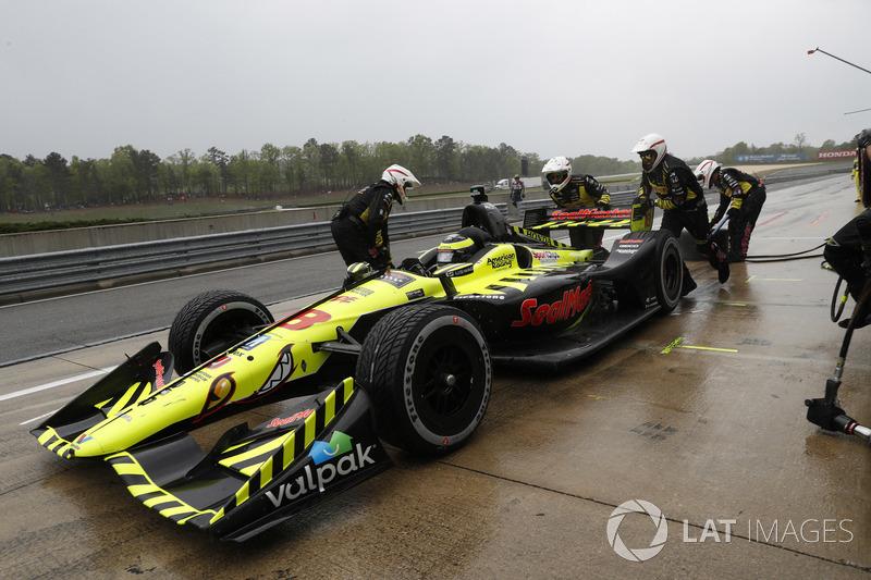 Sébastien Bourdais, Dale Coyne Racing with Vasser-Sullivan Honda, au stand