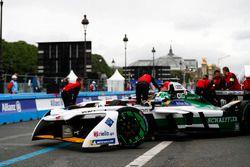 Lucas di Grassi, Audi Sport ABT Schaeffler, rentre au stand