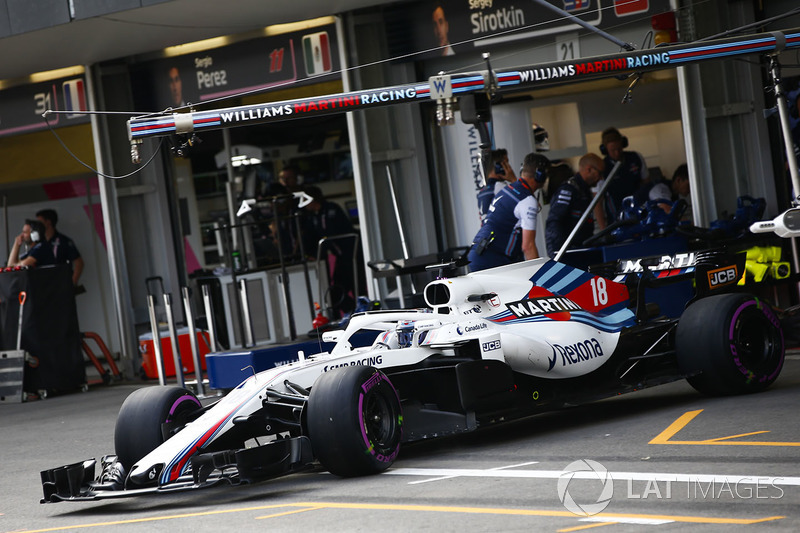Lance Stroll, Williams FW41 Mercedes, leaves the garage