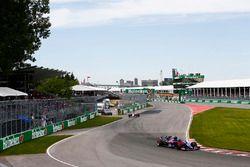 Pierre Gasly, Toro Rosso STR13, voor Sergio Perez, Force India VJM11