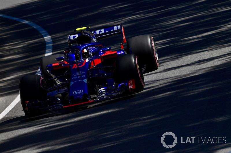 19. Пьер Гасли, Scuderia Toro Rosso STR13 – 1:13.047 (штраф за замену мотора)
