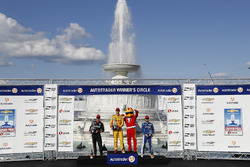 Will Power, Team Penske Chevrolet, Ryan Hunter-Reay, Andretti Autosport Honda, Ed Jones, Chip Ganassi Racing Honda, podium