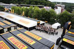 Pirelli lastikleri ve Pirelli ekibi