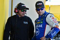 Chris Buescher, JTG Daugherty Racing, Chevrolet Camaro Natural Light y Trent Owens