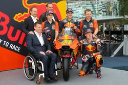 Pit Beirer, KTM Head of Motorsport, Mika Kallio, Pol Espargaro, Bradley Smith, Hubert Trunkenpolz, M