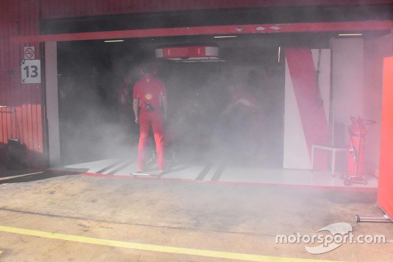 Asap di garasi Ferrari