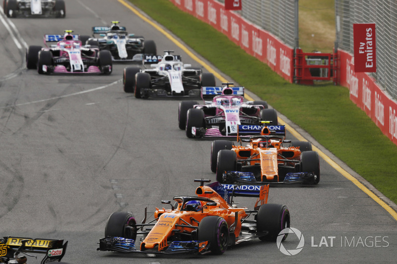 Fernando Alonso, McLaren MCL33 Renault, leads Stoffel Vandoorne, McLaren MCL33 Renault, Sergio Perez, Force India VJM11 Mercedes, and Lance Stroll, Williams FW41 Mercedes
