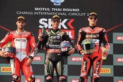 Podio: il secondo classificato Xavi Fores, Barni Racing Team, il vincitore della gara Jonathan Rea, Kawasaki Racing, il terzo classificato Chaz Davies, Aruba.it Racing-Ducati SBK Team