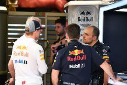 Max Verstappen, Red Bull Racing, Dr Helmut Marko, Red Bull Motorsport Consultant, Christian Horner,