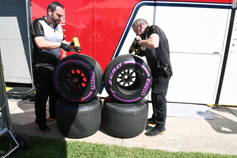 Інженери Pirelli