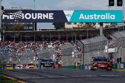 Yarış galibi David Reynolds, Erebus Motorsport Holden
