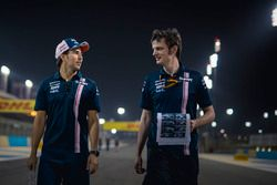 Sergio Perez, Force India camina por la pista