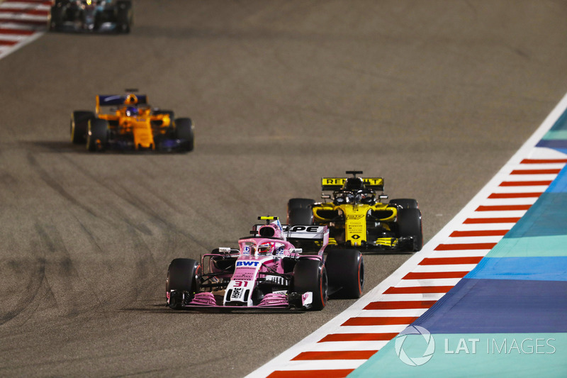 Esteban Ocon, Force India VJM11 Mercedes, Nico Hulkenberg, Renault Sport F1 Team R.S. 18, Fernando Alonso, McLaren MCL33 Renault