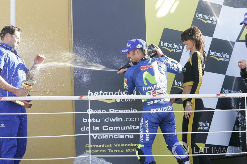 Podio: il vincitore della gara Marco Melandri