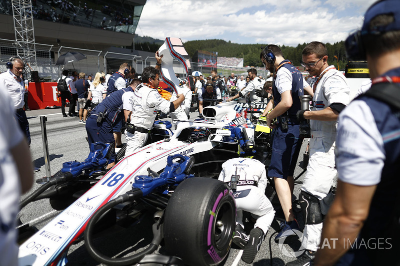 Lance Stroll, Williams FW41, arrive sur la grille