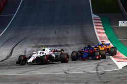 Sergey Sirotkin, Williams FW41, Brendon Hartley, Toro Rosso STR13, Fernando Alonso, McLaren MCL33