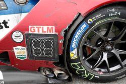 #66 Chip Ganassi Racing Ford GT, GTLM: Dirk Müller, Joey Hand, Sébastien Bourdais, post-race schade