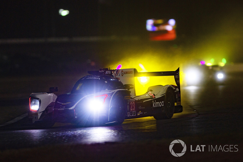#71 P1 Motorsports Mercedes AMG GT3, GTD: Kenton Koch, Robert Foley III, Juan Perez, Loris Spinelli, rain
