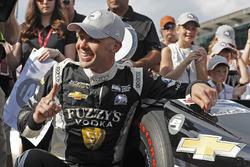 Ed Carpenter, Ed Carpenter Racing Chevrolet fête le Verizon P1 Pole Award