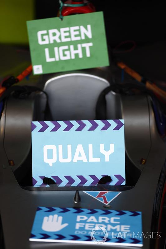 Green light, qualy, Parc Ferme signs on a Venturi car