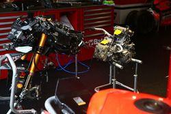 Chaz Davies, Aruba.it Racing-Ducati SBK Team Ducati Panigale, telaio e motore