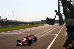 Le vainqueur Felipe Massa, Ferrari 248 F1