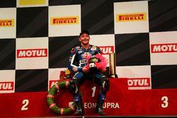 Podium : le Champion Lucas Mahias, GRT Yamaha Official WorldSSP Team