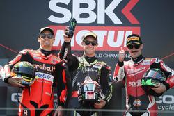 Il vincitore Jonathan Rea, Kawasaki Racing, sul podio