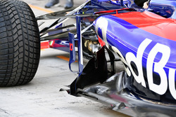 Scuderia Toro Rosso STR12 taban detay