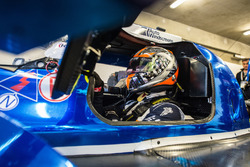 رقم 5 فريق مانور موتورسبورت: شارلز روبيرتسون، دين ستونمان، ليو روسيل