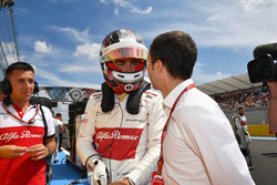 Charles Leclerc, Sauber on the grid with Nicolas Todt, Driver Manager