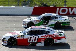Cole Custer, Stewart-Haas Racing, Ford Mustang Haas Automation and Tyler Reddick, JR Motorsports, Chevrolet Camaro BurgerFi