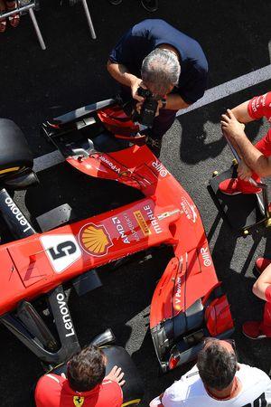Le nez et l'aileron avant de la Ferrari SF71H