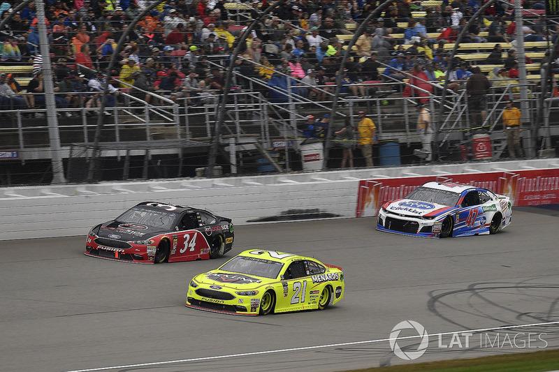 Paul Menard, Wood Brothers Racing, Ford Fusion Menards / Jack Links, \c34, and A.J. Allmendinger, JTG Daugherty Racing, Chevrolet Camaro Kroger ClickList
